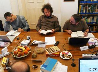 Ingo Schulze cercado pelos tradutores Stefano Zangrando, da Itália, e Sergio Tellaroli, do Brasil