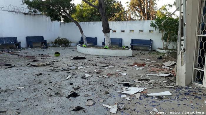 Bombenanschlag auf Polizeiwache in Kolumbien (picture alliance/colprensa/F. Torres)