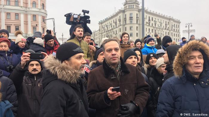 Лидер движения Демократический выбор Владимир Милов на Пушкинской площади в Москве во время забастовки избирателей.