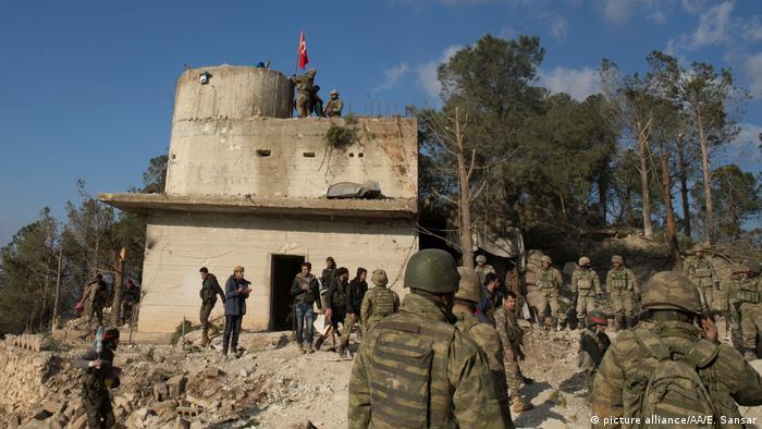 Türkische Armee nimmt Berg Baraja in Syrien ein (picture alliance / AA / E. Sansar)
