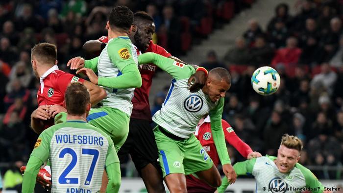 Fußball: 1. Bundesliga 20. Spieltag Hannover 96 - VfL Wolfsburg