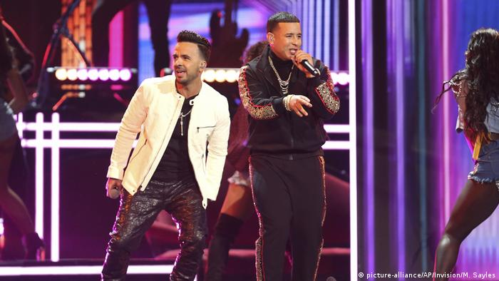 Grammy Awards | Luis Fonsi und Daddy Yankee (picture-alliance/AP/Invision/M. Sayles)