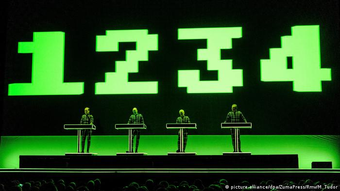 Kraftwerk perform live in Brighton in June 2017 (picture-alliance/dpa/ZumaPress/Rmv/M. Tudor)