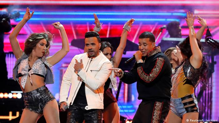 Luis Fonsi (L) and Daddy Yankee perform Despacito. (Reuters/L. Jackson)