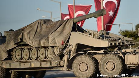 A Turkish-made tank is transported to the Turkish-Syrian border (Getty Images/AFP/O. Kose)