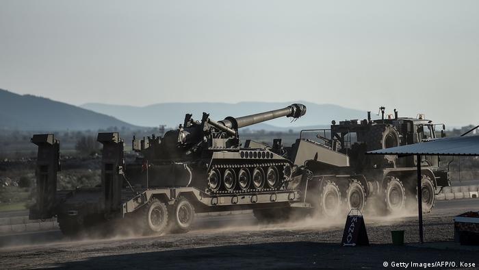 Turquia enviou tanques sobre Afrin como parte da operação Ramo de Oliveira