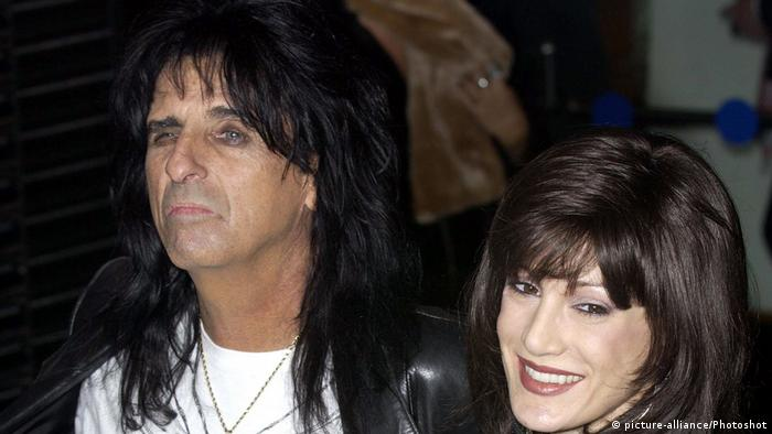 Alice Cooper with his wife Sheryl Goddard in London (picture-alliance/Photoshot)