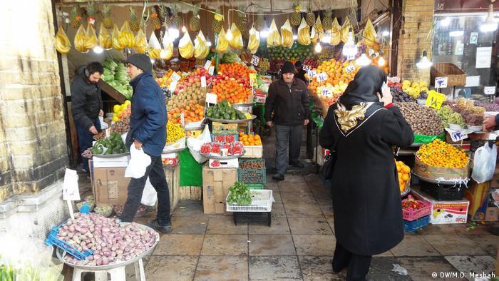 Iran Teheran Bazar (DW/M.D. Mesbah)