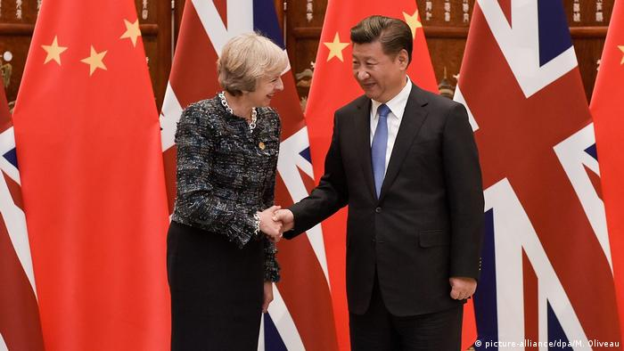 Theresa May und Chinas Präsident Xi Jinping (picture-alliance/dpa/M. Oliveau)