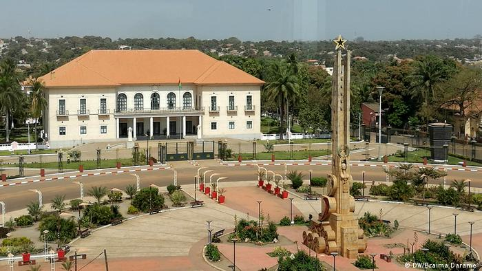 Guinea-Bissau Polizei blockiert Zugang zum PAIGC Parteizentrum