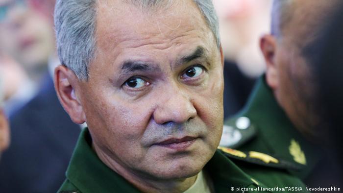 Russland Verteidigungsminister Sergej Schoigu (picture-alliance/dpa/TASS/A. Novoderezhkin)
