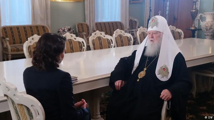 Патриарх Филарет во время интервью с Жанной Немцовой