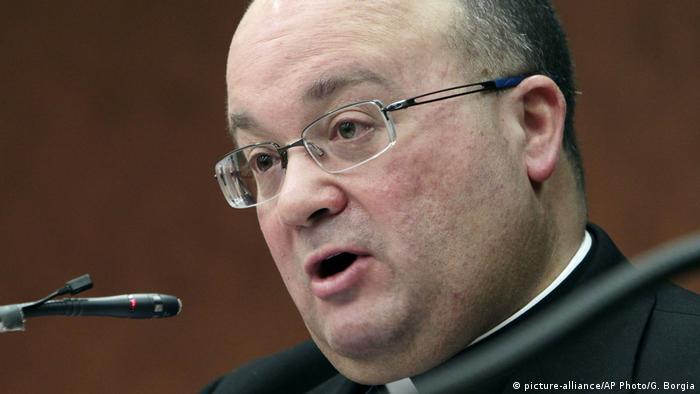 Vatikan maltesischer Erzbischof Charles Scicluna (picture-alliance/AP Photo/G. Borgia)