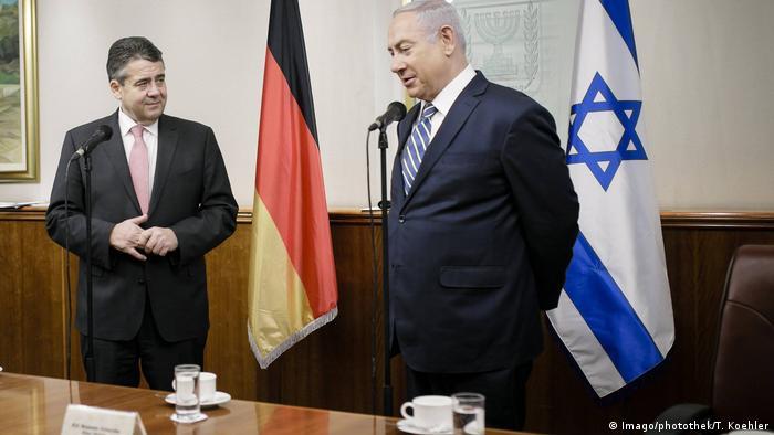 Sigmar Gabriel und der israelische Regierungschef Benjamin Netanjahu in dessen Amtssitz in Jerusalem (Foto: Imago/photothek/T. Koehler)