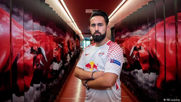 RB Leipzigs E-Sportler Cihan Yasarlar im Spielertunnel des Stadions (Foto: RB Leipzig)