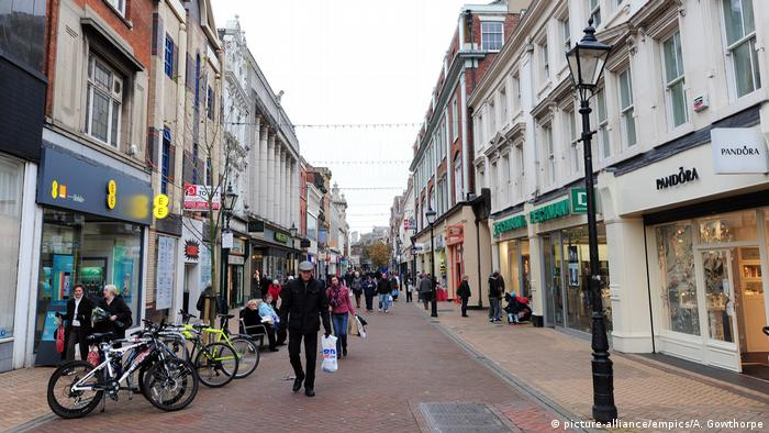 Photo: A shopping street in the city of Hull, England (Source: picture-alliance/empics/A. Gowthorpe)