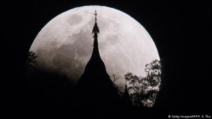 Mondfinsternis in Myanmar (Getty Images/AFP/Y. A. Thu)