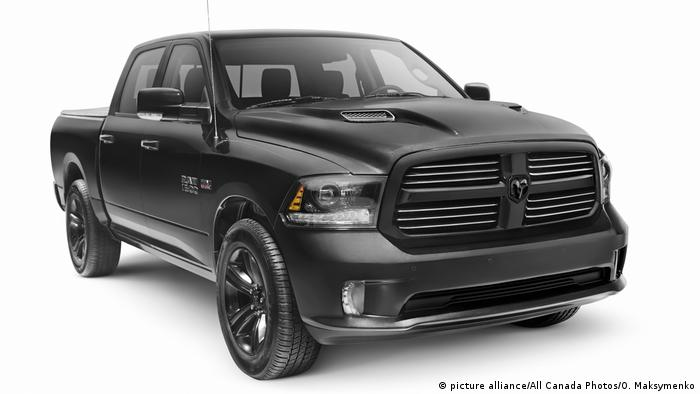 USA Black Dodge RAM (picture alliance/All Canada Photos/O. Maksymenko)
