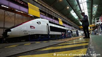 Για τον γάλλο πρόεδρο η πιο επικίνδυνη πολιτικά απεργία είναι αυτή του δημόσιου σιδηρόδρομου