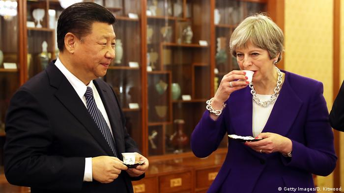 Peking Theresa May bei Xi Jinping (Getty Images/D. Kitwood)