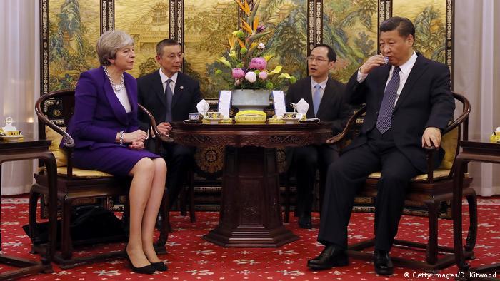 Peking Theresa May bei Xi Jinping (Getty Images/D. Kitwood)