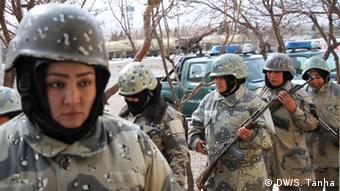 Женщины в афганских силах безопасности в Герате, вблизи границы с Туркменией