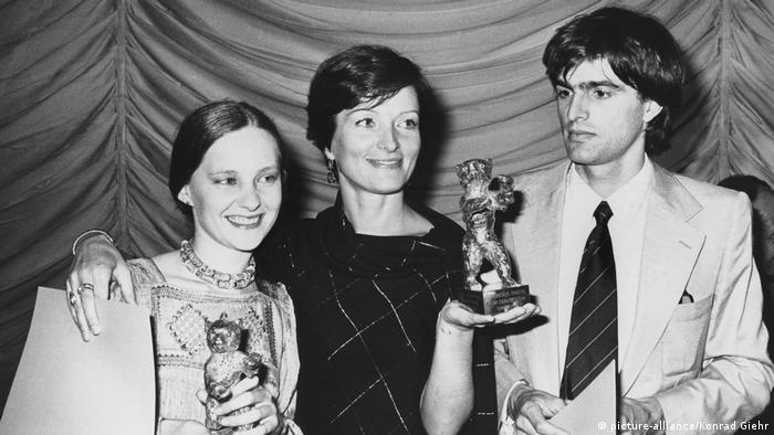 Берлинале, 1977 год. В центре - Лариса Шепитько с золотым медведем