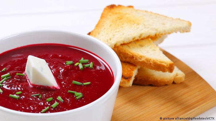 BG Fastenküche | Rote Beete-Suppe (picture alliance/digifoodstock/CTK)