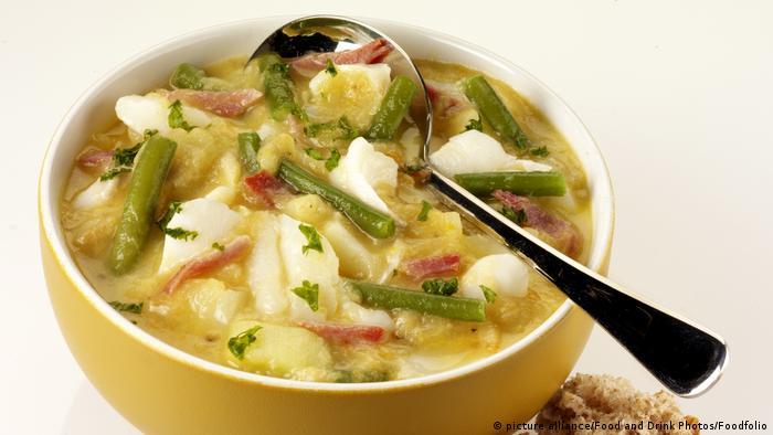 طعام صحي مكون من عناصر غذائية مفيدة.