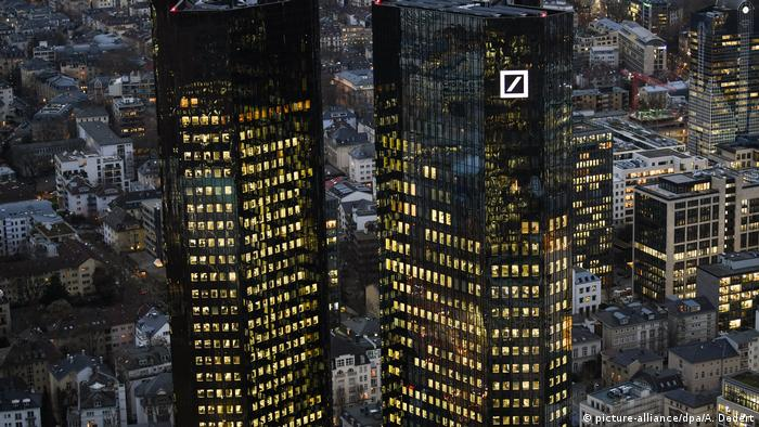 Deutsche Bank headquarters in Frankfurt (picture-alliance/dpa/A. Dedert)