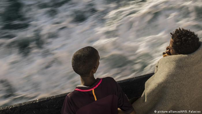 Libya: 90 migrants feared dead in boat accident | News | DW