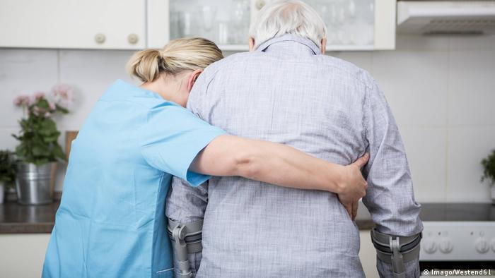 Над 4 милиона през 2035 година: броят на възрастните хора в Германия, имащи нужда от грижи, ще нараства