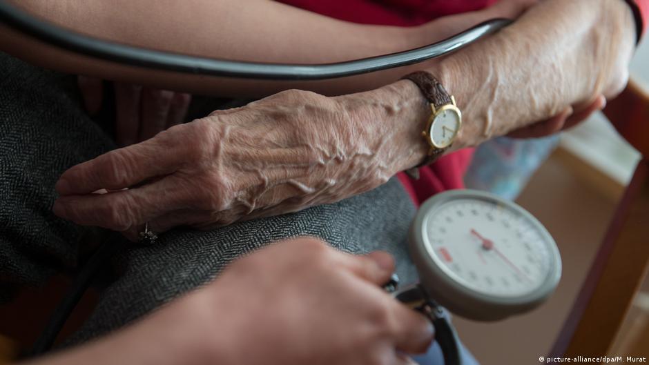 Niedriger Blutdruck ist gefährlich: Was tue ich dagegen?