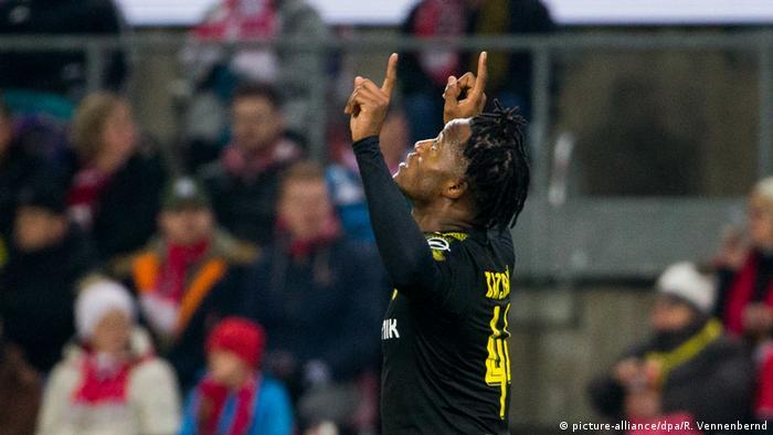 Fußball 1. FC Köln - Borussia Dortmund Torjubel Batshuayi 1:0 (picture-alliance/dpa/R. Vennenbernd)