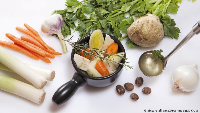 BG Fastenküche | Vegetarische Gemüsebrühe