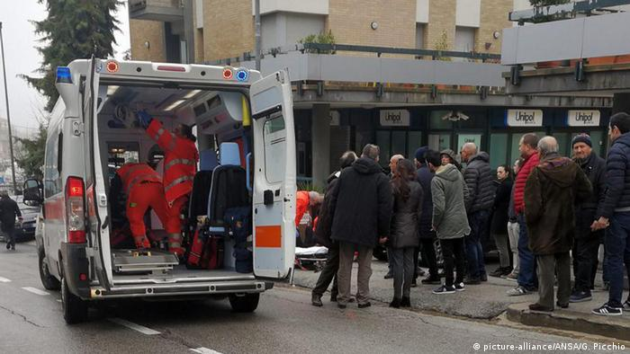 Italien Schießerei in Macerata