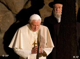 Pope Benedict XVI rekindles the Eternal Flame at the Hall of Remembrance