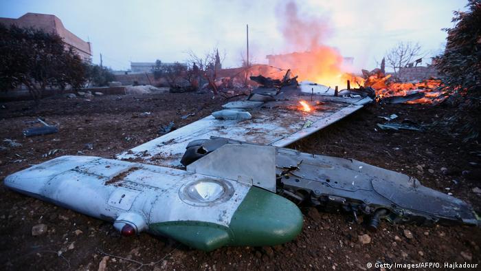 Düşürülen çift motorlu, tek kişilik Su-25 tipi uçak, saldırı ve yakın hava desteği özelliklerini taşıyor.