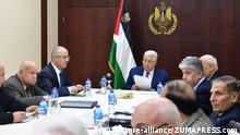 03.02.2018+++Ramallah, Westjordanland+++ February 3, 2018 - Ramallah, West Bank, Palestinian Territory - Palestinian President Mahmoud Abbas attends a meeting of the Palestine Liberation Organization (PLO) executive committee at his compound in the West Bank city of Ramallah, february 03, 2018 |