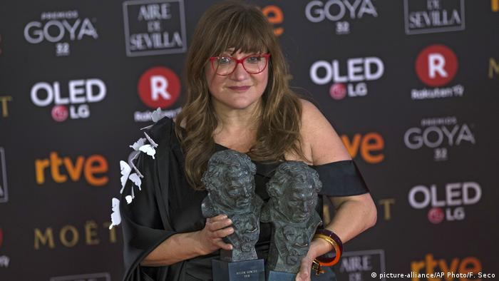 32. Goya Awards | 32. Goya Awards | Preisträgerin Isabel Coixet - Beste Regie (picture-alliance/AP Photo/F. Seco)