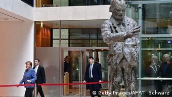 Merkel entering coalition talks (Getty Images/AFP/T. Schwarz)