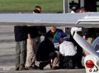 جان دمیانیوک در حال ترک آمریکا