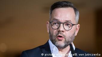 Deutschland Koalitionsverhandlungen von Union und SPD Michael Roth (picture-alliance/dpa/B. von Jutrczenka)
