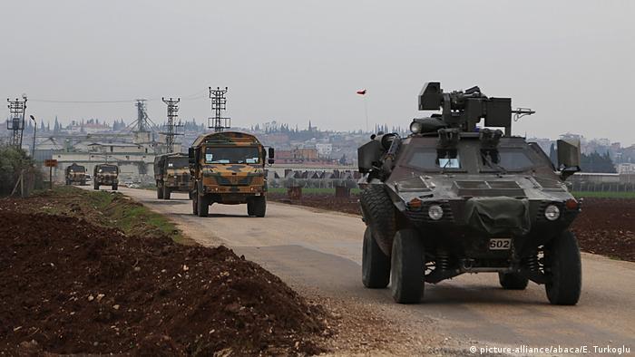 Турецкие войска на пути в Сирию