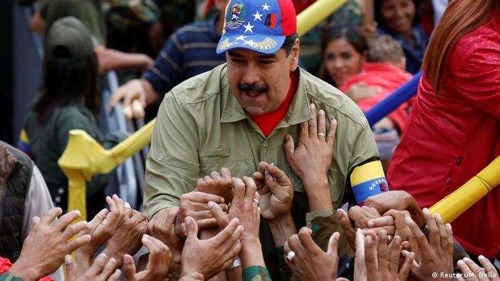 Venezuela Nicolas Maduro Jahrestag Putschversuch (Reuters/M. Bello)