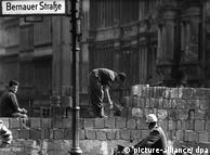 O Muro em construção, em agosto de 1961