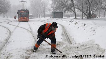 Russland Moskau kämpft gegen Schneemassen