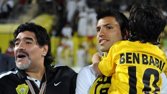 Diego Maradona und Sergio Aguero (Getty Images/AFP)