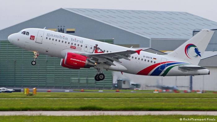 Літак авіакомпанії Gambia Bird