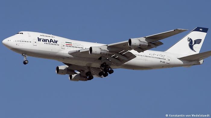 بوئینگ ۷۴۷ ایران ایر که در سالهای پیش از انقلاب ۱۹۷۹ در ایران خریداری شده است
